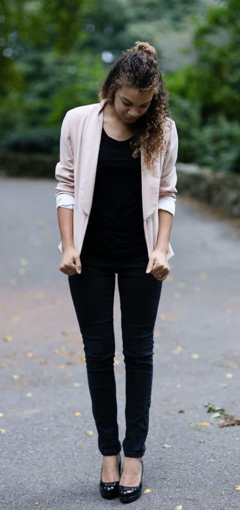 how to wear a pink blazer. light pink blazer outfit ideas