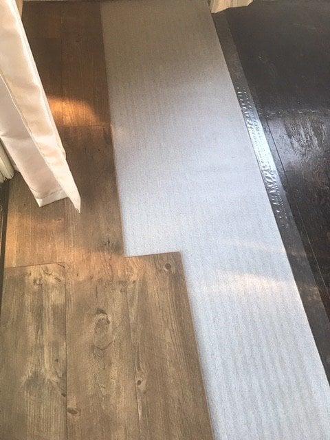 stainlaminate floored plywood floor