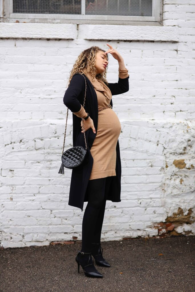 12 winter maternity outfit ideas maternity fashion my. Black Bedroom Furniture Sets. Home Design Ideas