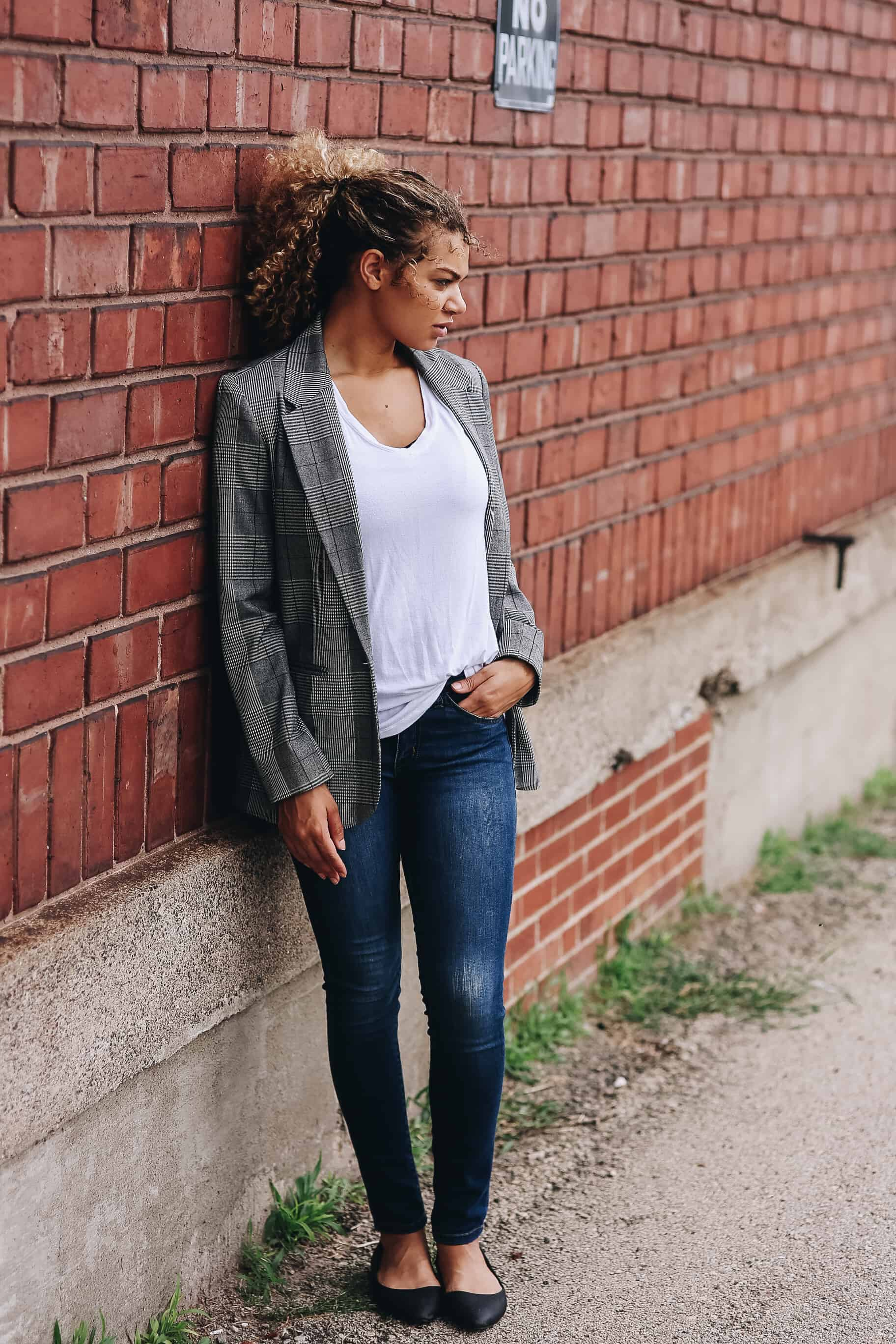 367d684115d How to Elevate a Simple Tee and Jeans Outfit - My Chic Obsession