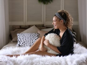 cozy lifestyle shoot with fashion blogger my chic obsession