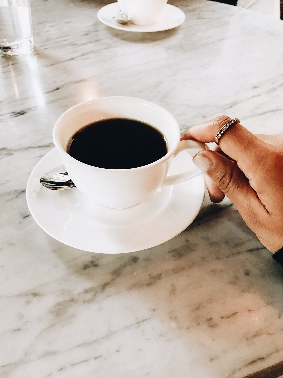 Spending a weekend in Chicago? You have to check out the coffee shops and cafes when you're traveling! Here are some of the chicest chicago cafes to visit on your next trip