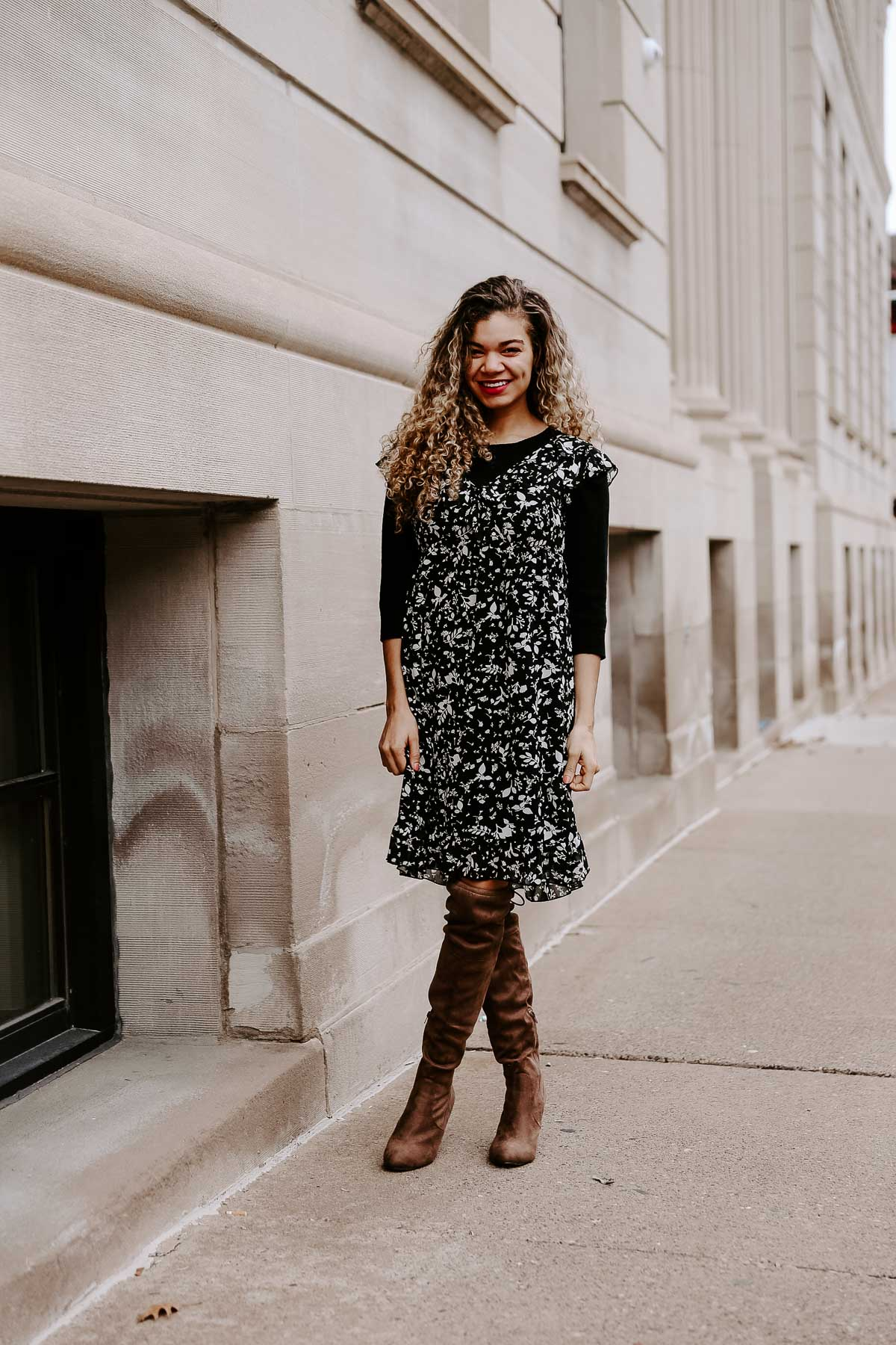 Here are some great style hacks to have your summer pieces work for fall. Your wardrobe just got a lot more winter style outfit ideas!