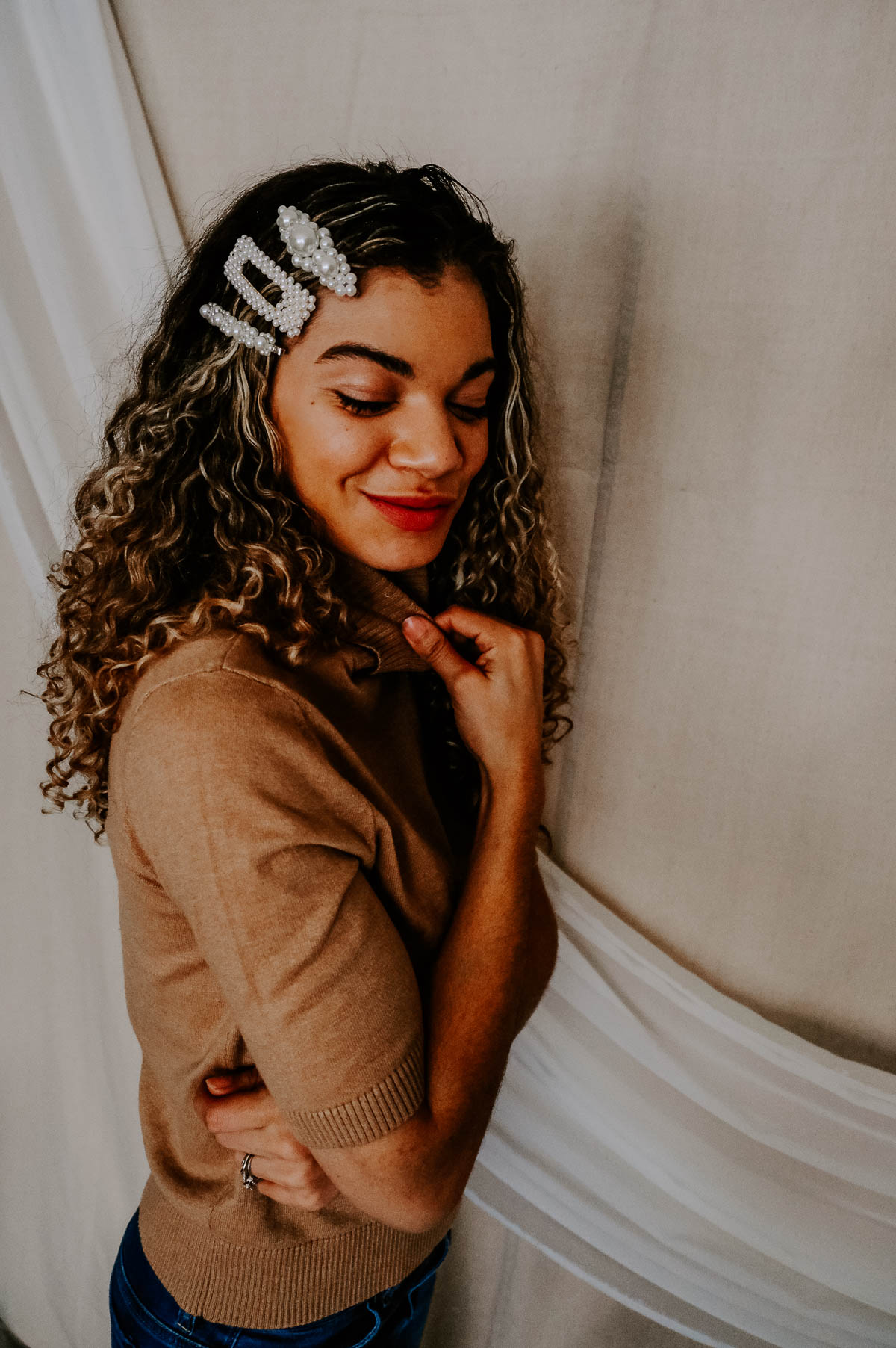 Do you love the hair accessories trend? Whether it's a clip, barrette or scrunchie, there's something for everyone! I'm loving these pearl clips the most!