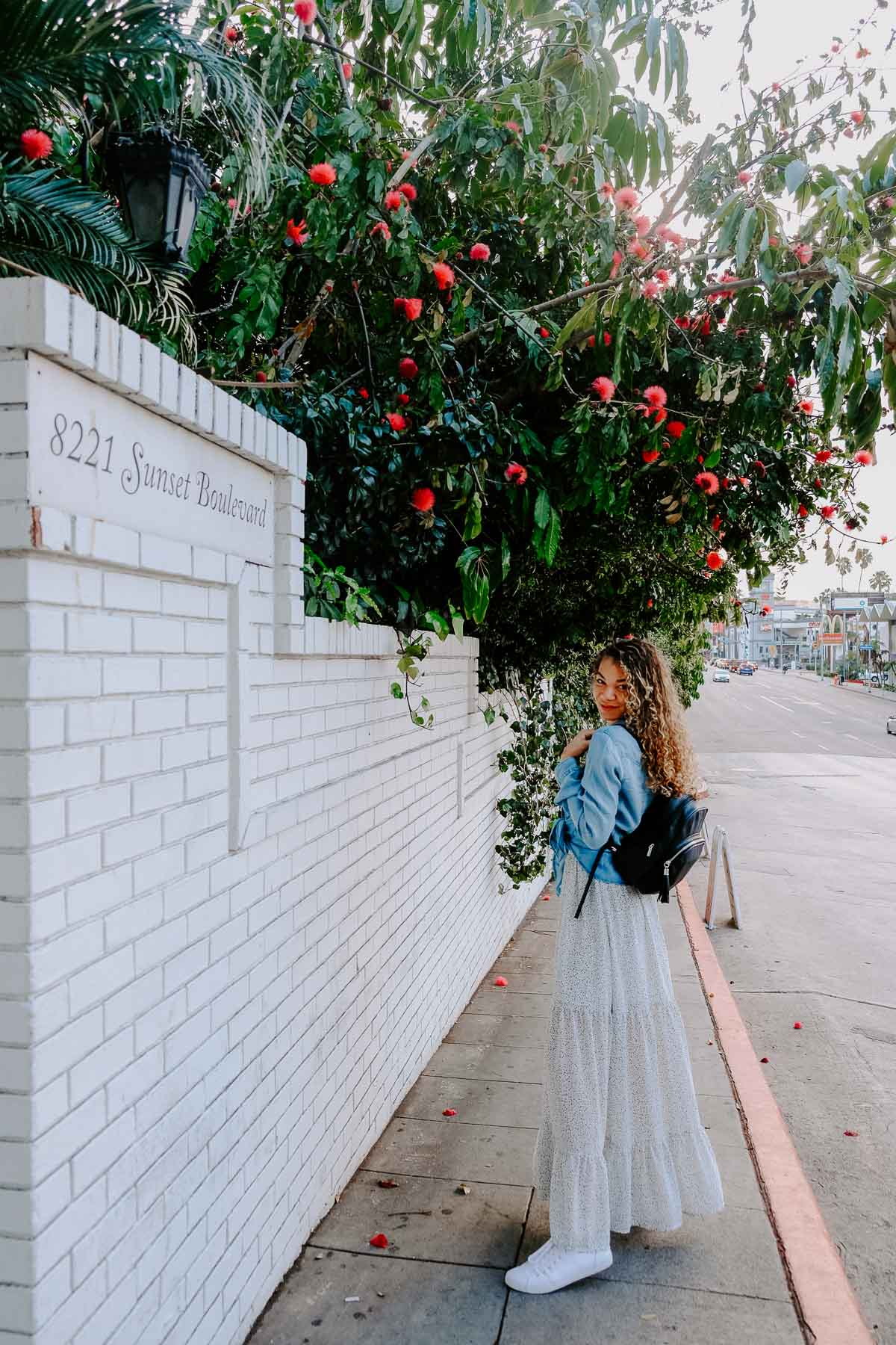 Planning a trip to LA and need to know what to wear? This post has the LA packing essentials that you need for a trip to Los Angeles! This maxi dress outfit would be perfect to add to your LA outfits!