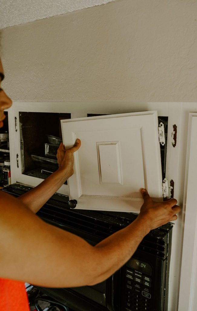 how to repaint kitchen cabinets the right way
