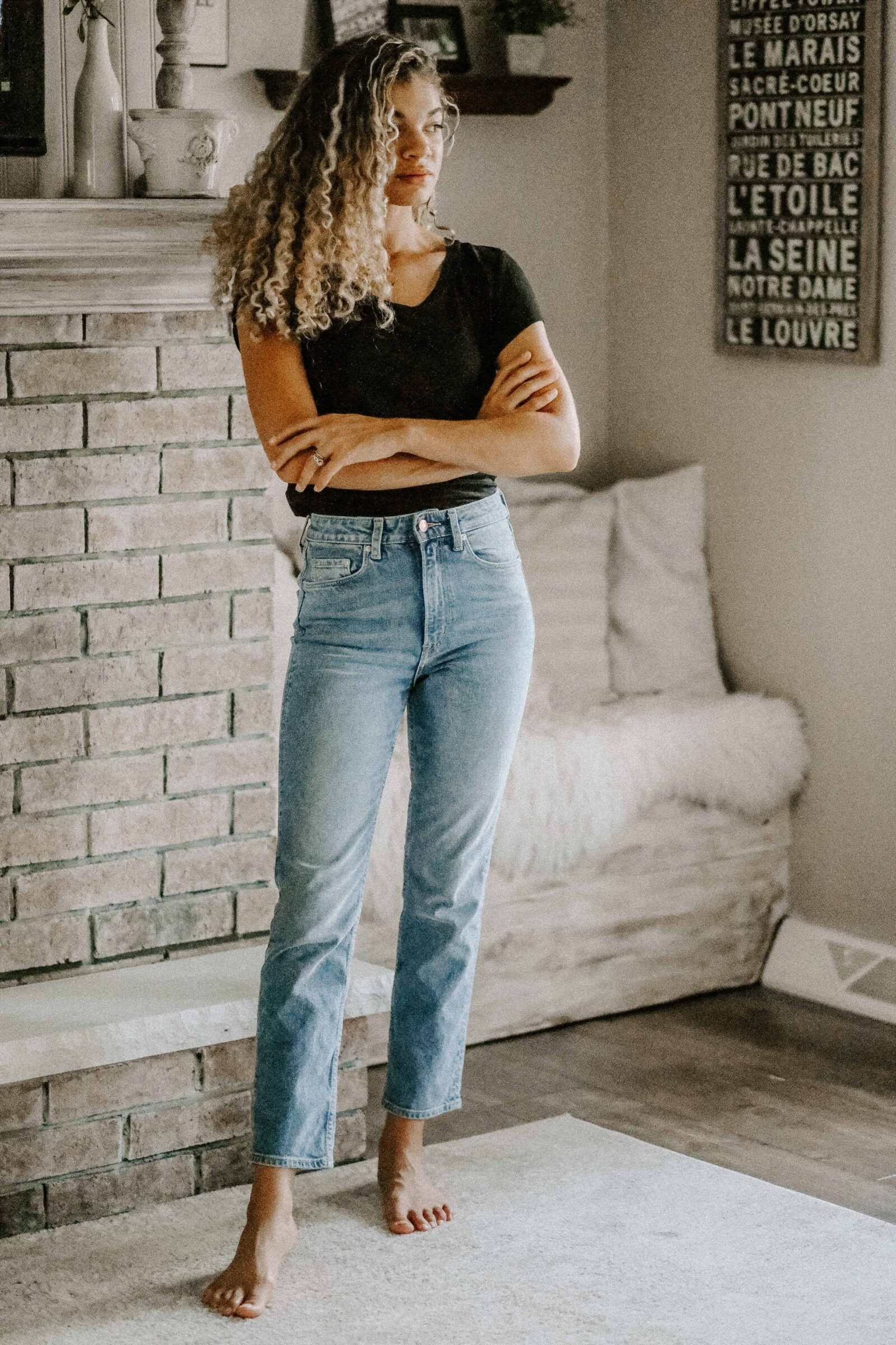 tee and jeans outfits