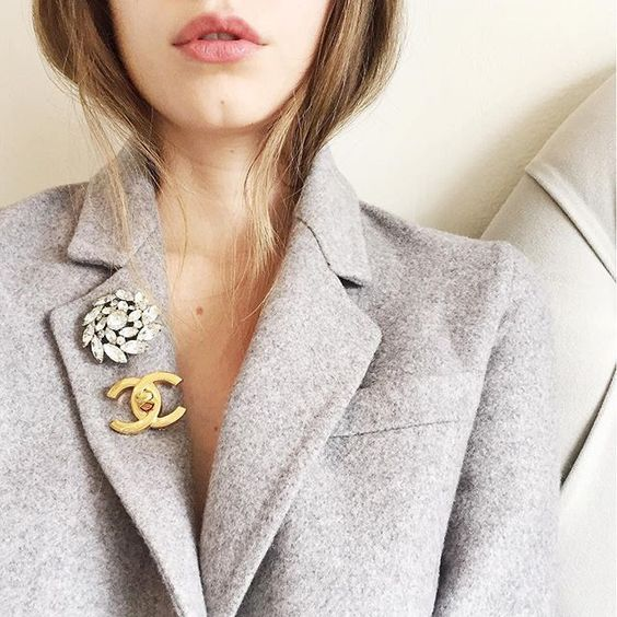 brooch outfit
