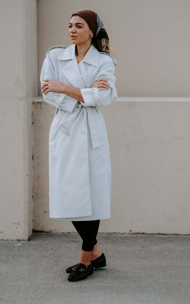 leggings and trench coat outfit