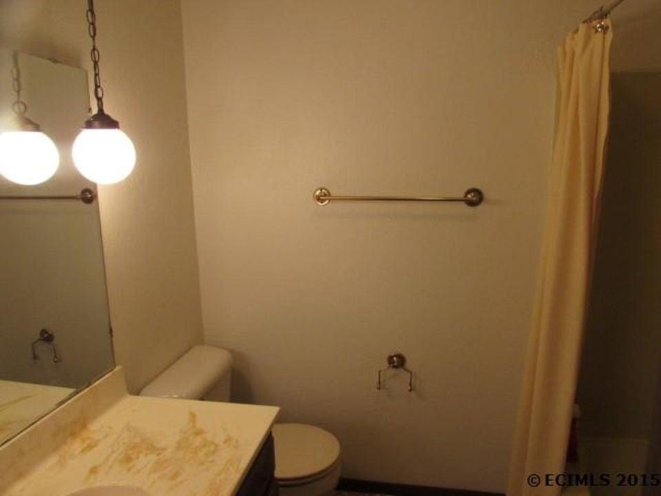 guest bathroom before