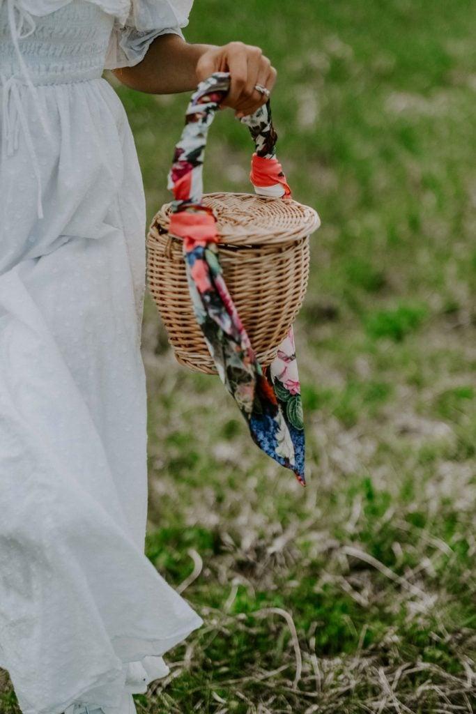 basket bag outfit