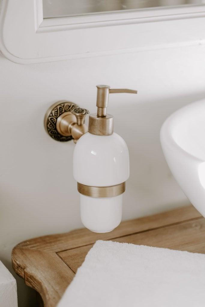 classy master bathroom makeover