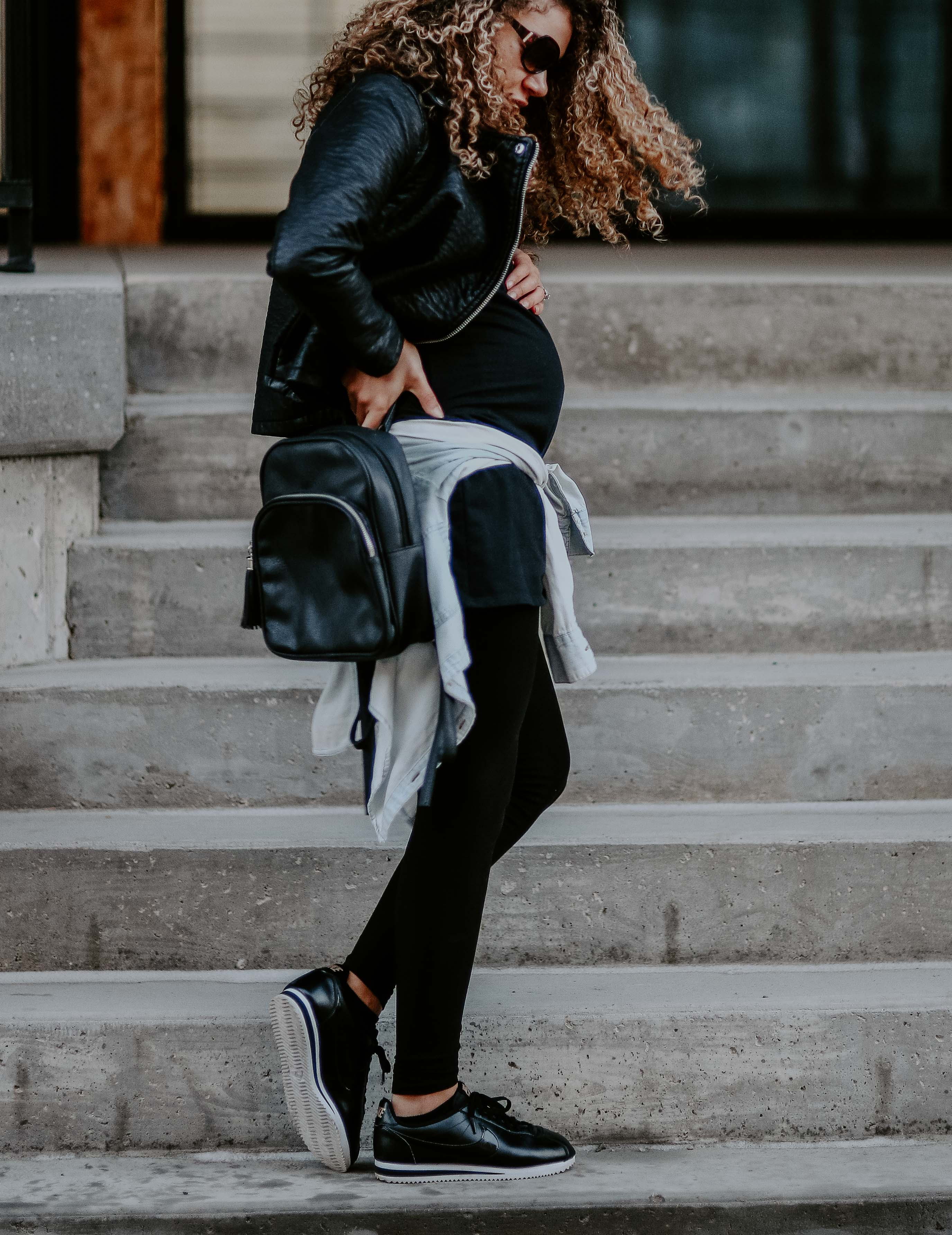 casual maternity outfit