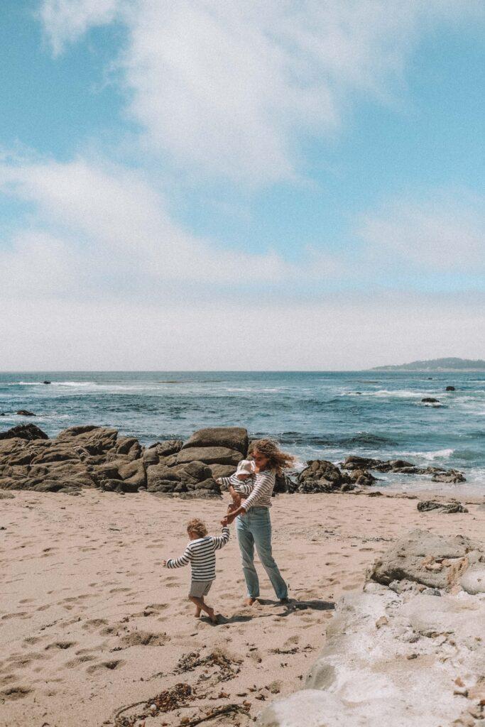beach family photo ideas